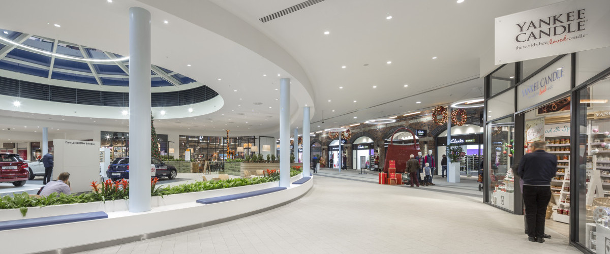 Swindon designer outlet centre mclaren for Outlet design